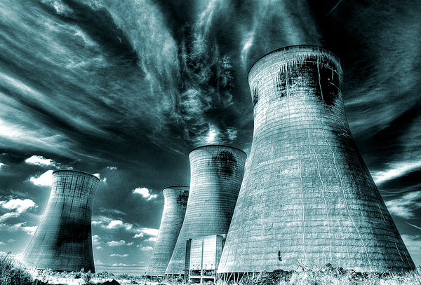 waiting for quatermass 45 Impressive Examples of Infrared Photography