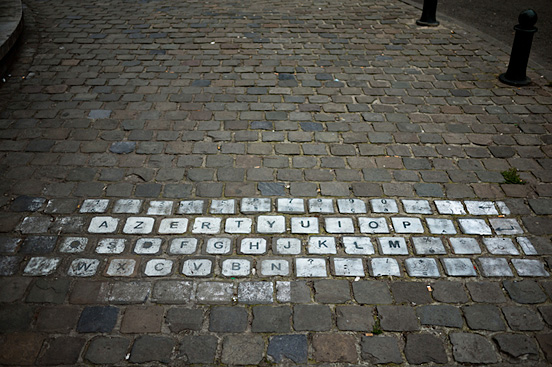 clever street keyboard l1 50 Visionary Examples of Creative Photography #7