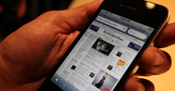 iphone web browsing 5 Expert SEO Tips for 2012