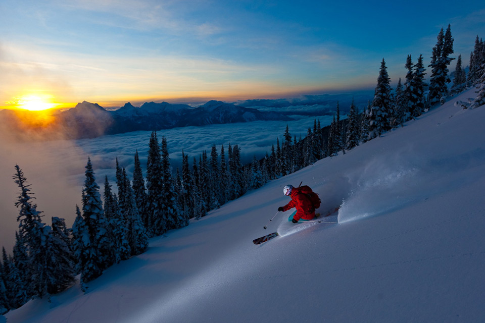 skiing into sunset1 Jaw Dropping Photography from Around the World