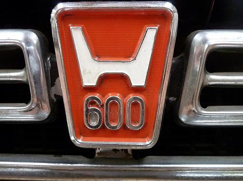 tumblr lvsqy4fwqt1qzmdqso1 5001 50 Classic Automobile Typography Designs