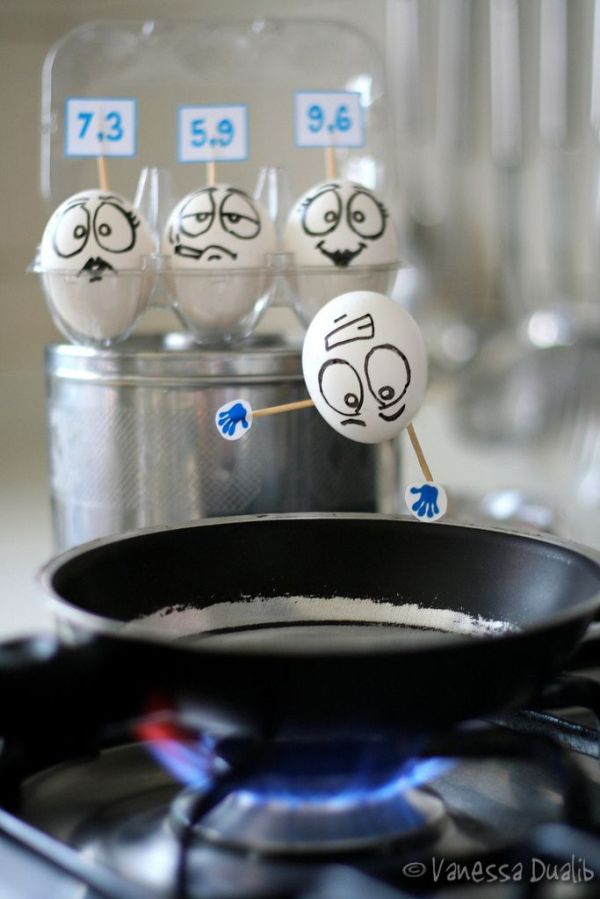 311 30 Examples of Funny and Creative Egg Photography