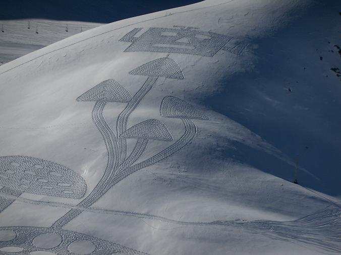 384051 360982070581932 282614611752012 1633777 388952262 n1 Magnificent Geometric Snow Art by Simon Beck