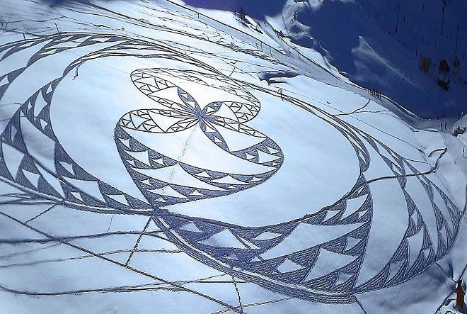 399972 349989978347808                                                           282614611752012                                                           1596276                                                           1705609211 n1                                                           Magnificent                                                           Geometric                                                           Snow  Art by                                                           Simon  Beck