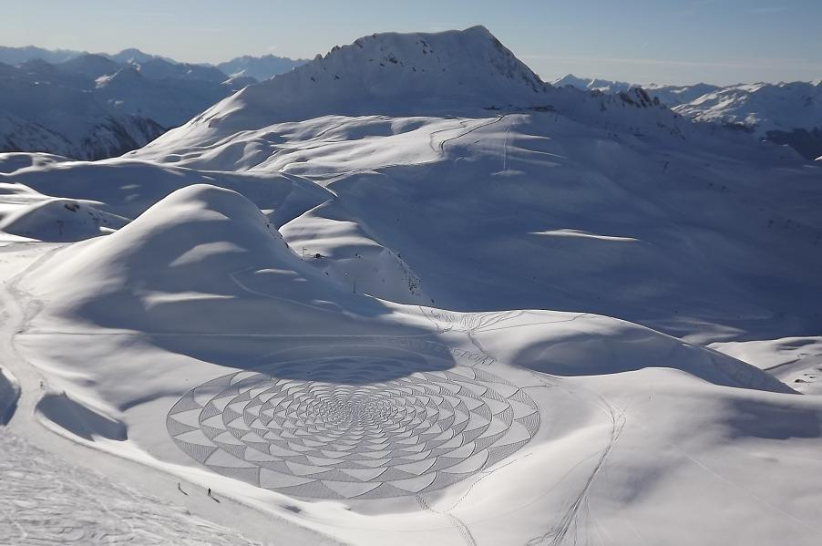 404615 370258072987665 282614611752012 1662654 1611918524 n1 Magnificent Geometric Snow Art by Simon Beck