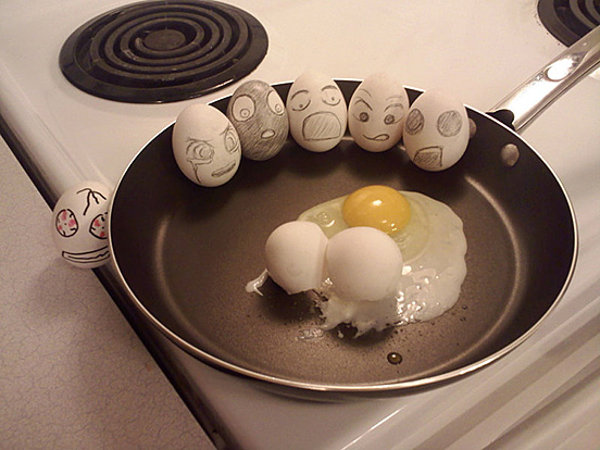 eggs egg heads l1 30 Examples of Funny and Creative Egg Photography