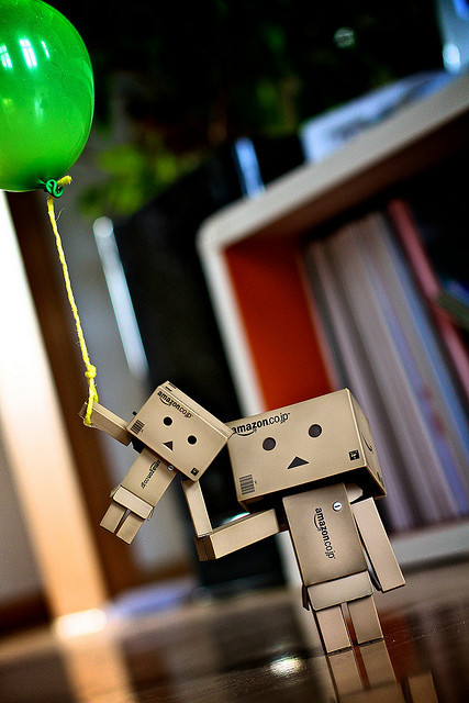 tumblr lhnxa4uyl91qejf28o1 5001 45 Captivating Photos of Amazons Mascot Danbo