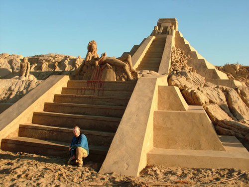 4250064341 372f83036d1 Staggering Sand Sculptures from Around the World