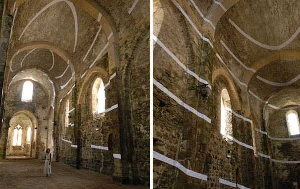 anamorphic illusions by felice varini 28 Breathtaking Anamorphic Illusions by Felice Varini