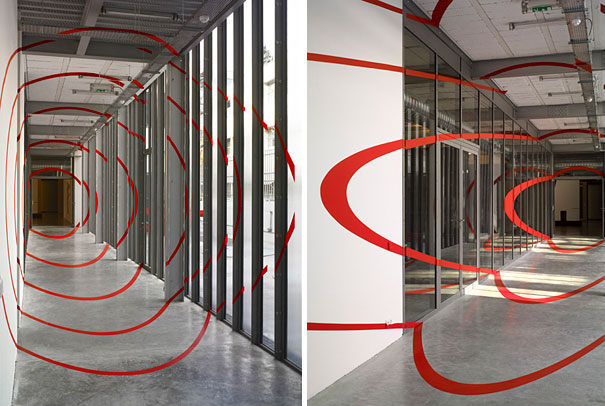anamorphic illusions by felice varini 32 Breathtaking Anamorphic Illusions by Felice Varini