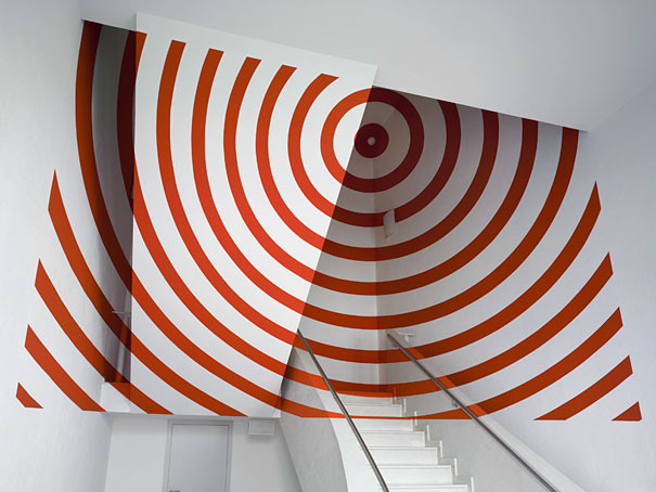 anamorphic illusions by felice varini 37 Breathtaking Anamorphic Illusions by Felice Varini