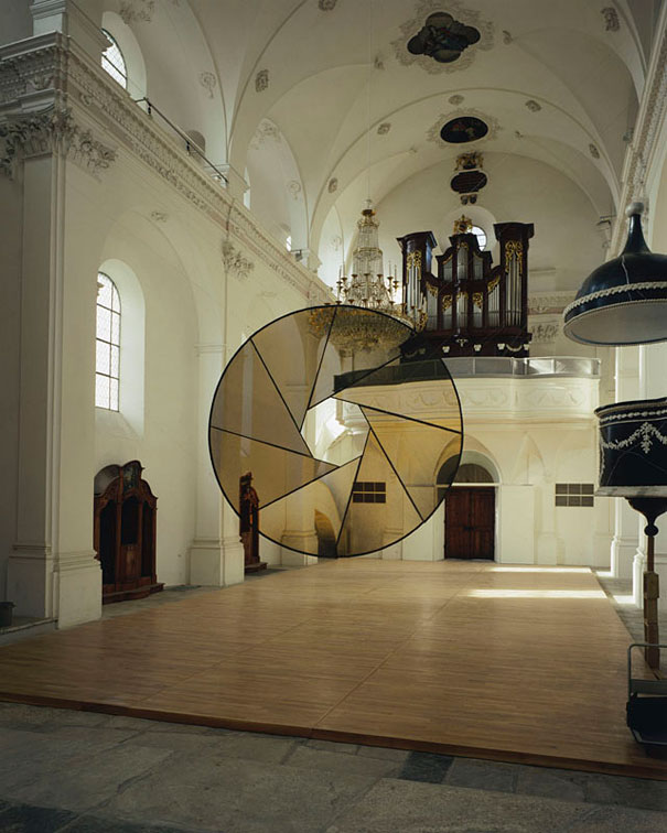 anamorphic illusions by felice varini 9 Breathtaking Anamorphic Illusions by Felice Varini