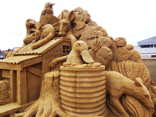 aussie1 Staggering Sand Sculptures from Around the World