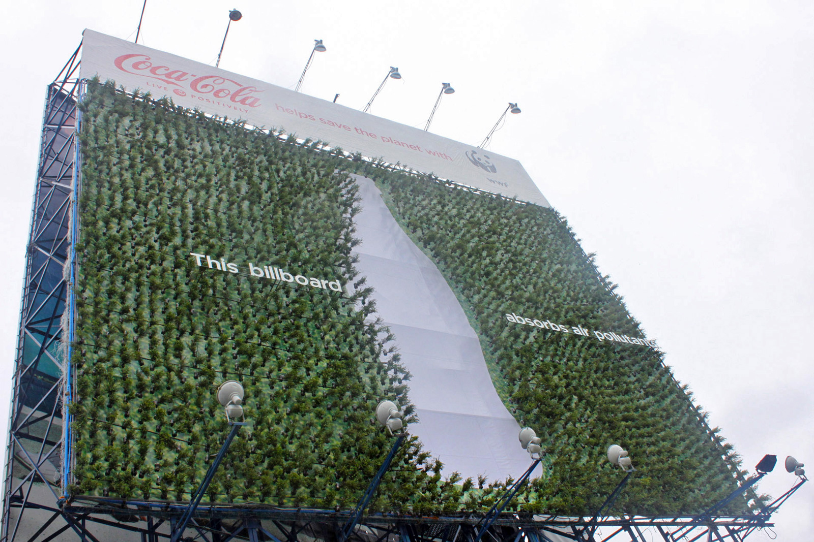 coke wwf plant billboard1 20+ Environmental Awareness Advertising Campaigns