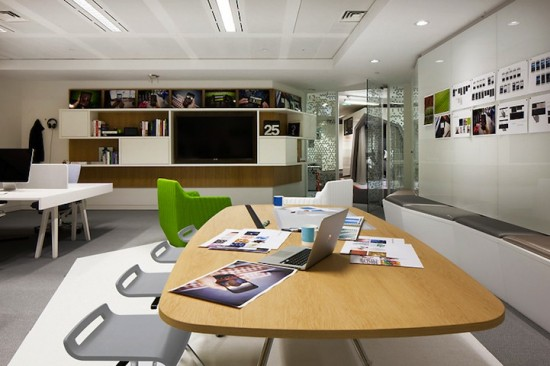 google london office2 550x3661 15 Incredible Office Workspace Designs