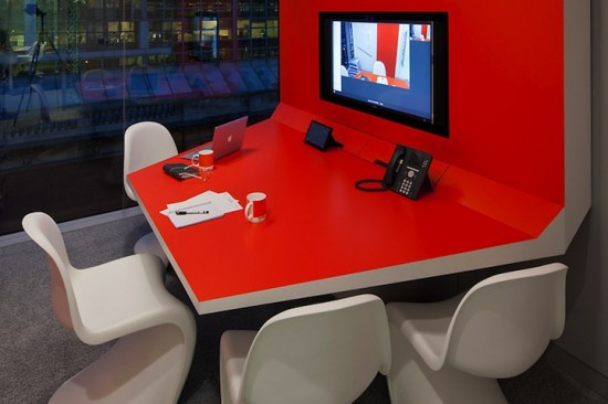google london office5 550x3661 15 Incredible Office Workspace Designs