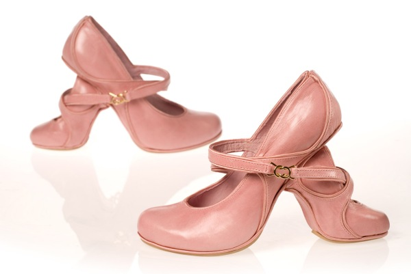 mother2526daughter2b41 Artistic Footwear Designs by Kobi Levi