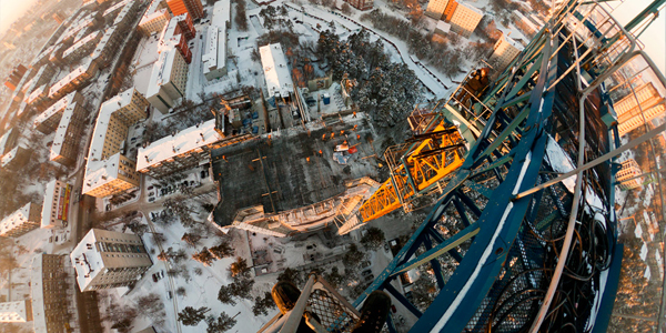 roofs of novosibirsk 25+ Death Defying Photographs by Vadim Mahorov