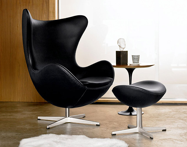 the egg chair the most famous chair in history inspirationfeed. Black Bedroom Furniture Sets. Home Design Ideas