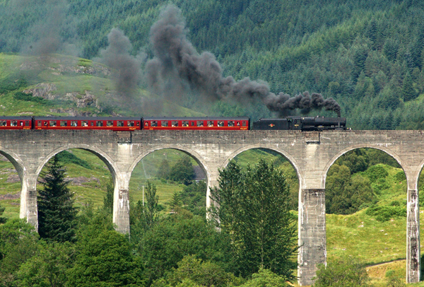 harry potter train scotland1 25 Outstanding Examples of Machine Photography