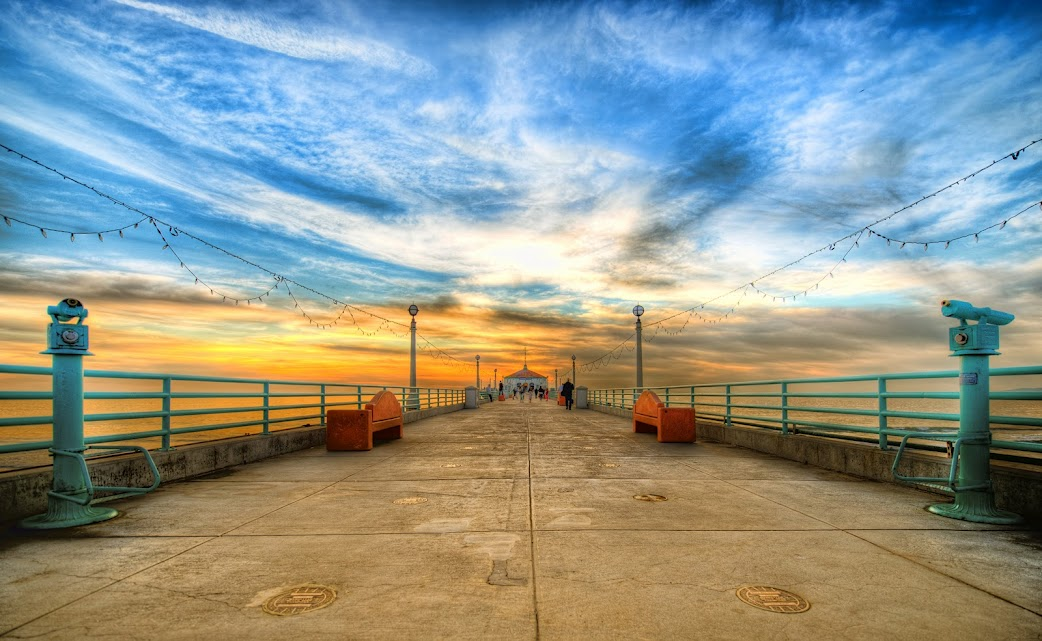 manhattanbeachpier31 Stunning Worldwide Photography by Our Friend From Myspace