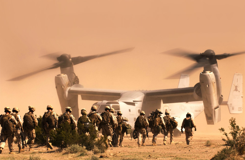 marines going into tiltrotor squadron1 25 Outstanding Examples of Machine Photography