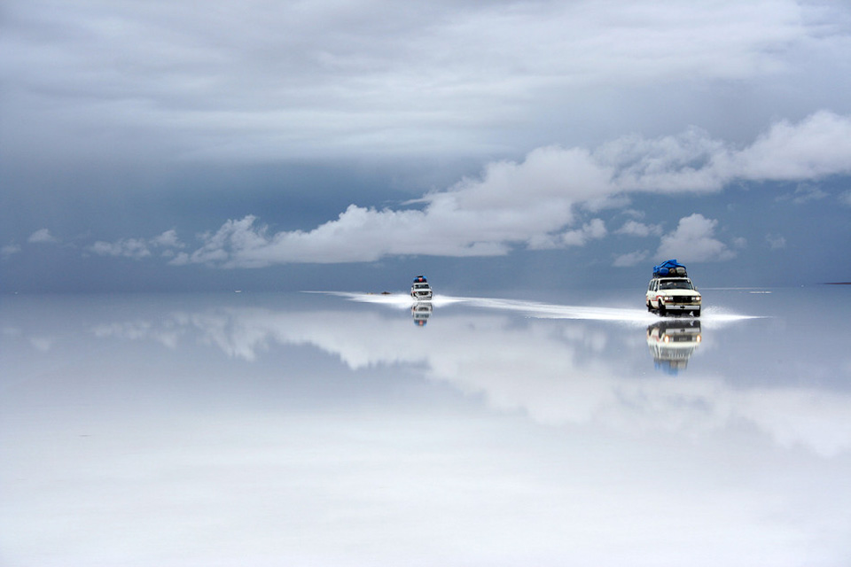 salt desert after the rain bolivia1 25 Outstanding Examples of Machine Photography
