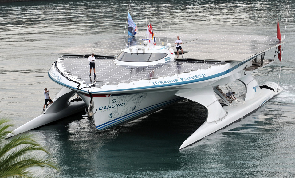 the planet solar boat1 25 Outstanding Examples of Machine Photography