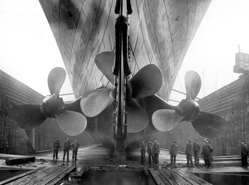 titanics propellers1 25 Outstanding Examples of Machine Photography
