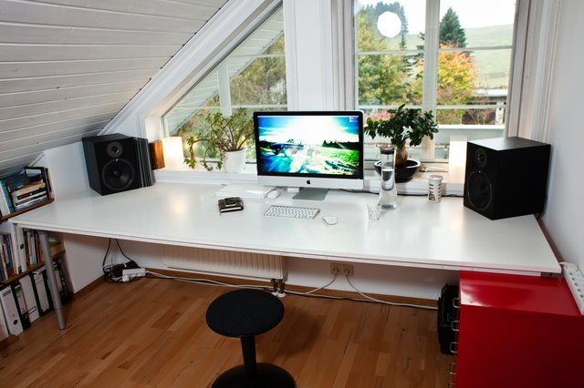2010 10 17 at 17 14 57 jpg 640x640 q851 30 Inspiring Workspace Examples & Design Tips
