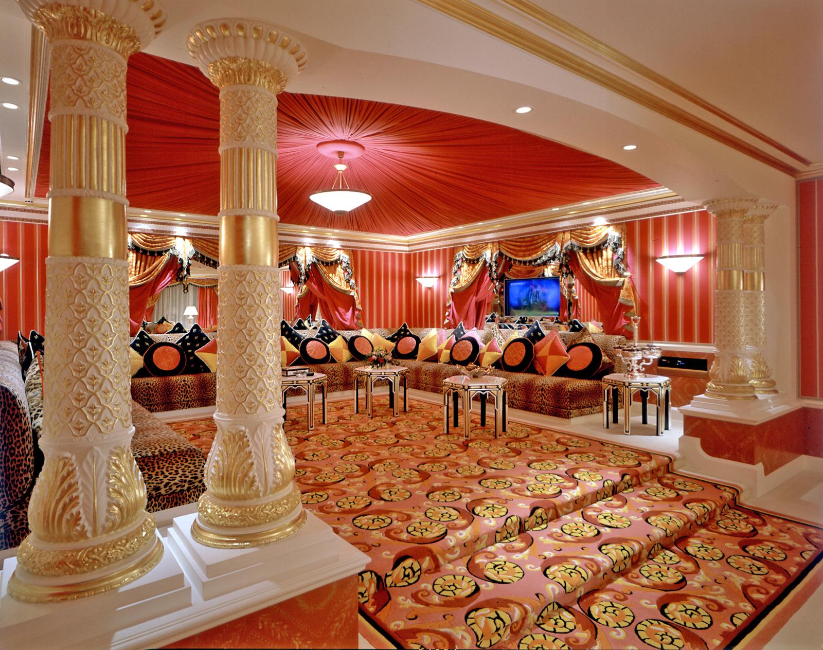 burj al arab luxury suite1 Optimized for Opulence: 7 Incredible Hotel Designs