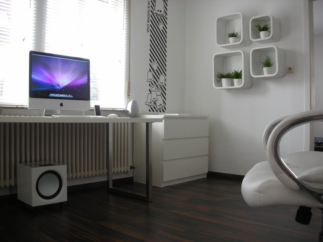 dscn1911 jpg 640x640 q851 30 Inspiring Workspace Examples & Design Tips