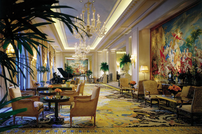 four seasons george v paris cnt 11dec09 6461 Optimized for Opulence: 7 Incredible Hotel Designs