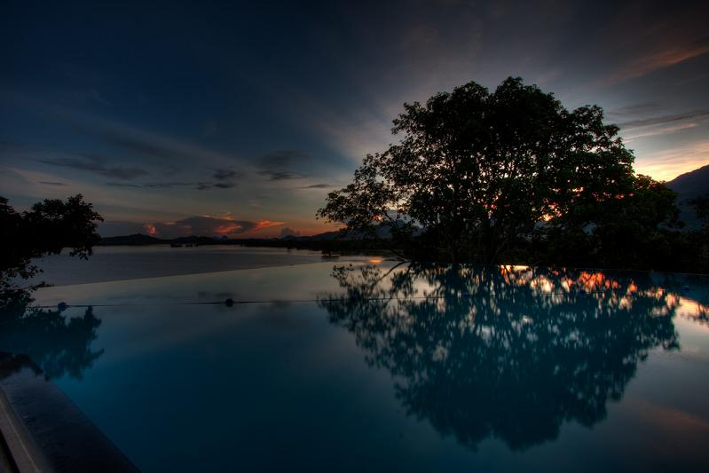 kandalama hotel dambulla sri lanka infinity pool1 30 Jaw Dropping Infinity Pools from Around the World