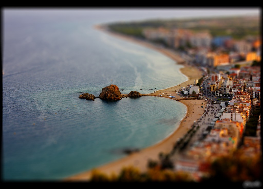 5223719972 f04bb01cd7 b1 40 Wonderful Examples of Tilt Shift Photography