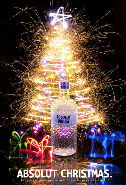 absolut christmas A World Icon: Absolut Vodka Advertisements and Designs