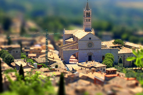 happy miniature sunday 40 Wonderful Examples of Tilt Shift Photography