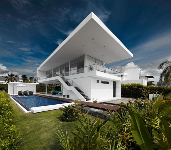 house gm1 02 800x700 GM1: Minimalist House Residence in Colombia