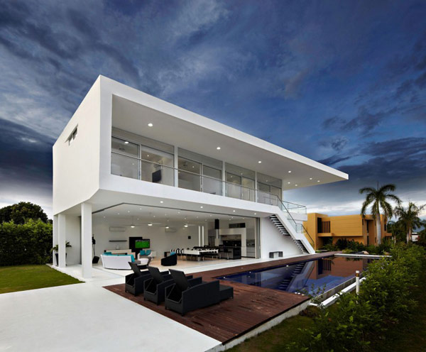 house gm1 04 800x661 GM1: Minimalist House Residence in Colombia