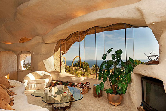 the flintstones house 01 The $3.5 Million Flintstones Home in Malibu