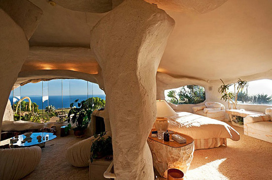 the flintstones house 02 The $3.5 Million Flintstones Home in Malibu