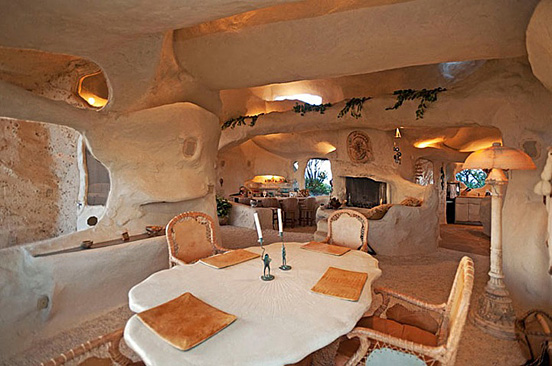 the flintstones house 05 The $3.5 Million Flintstones Home in Malibu