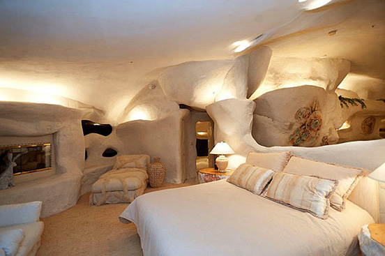 the flintstones house 07 The $3.5 Million Flintstones Home in Malibu
