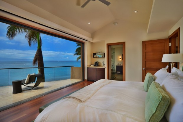 hawaii bedroom with views 620x412 Jewel Of Kahana Oceanfront House, Maui