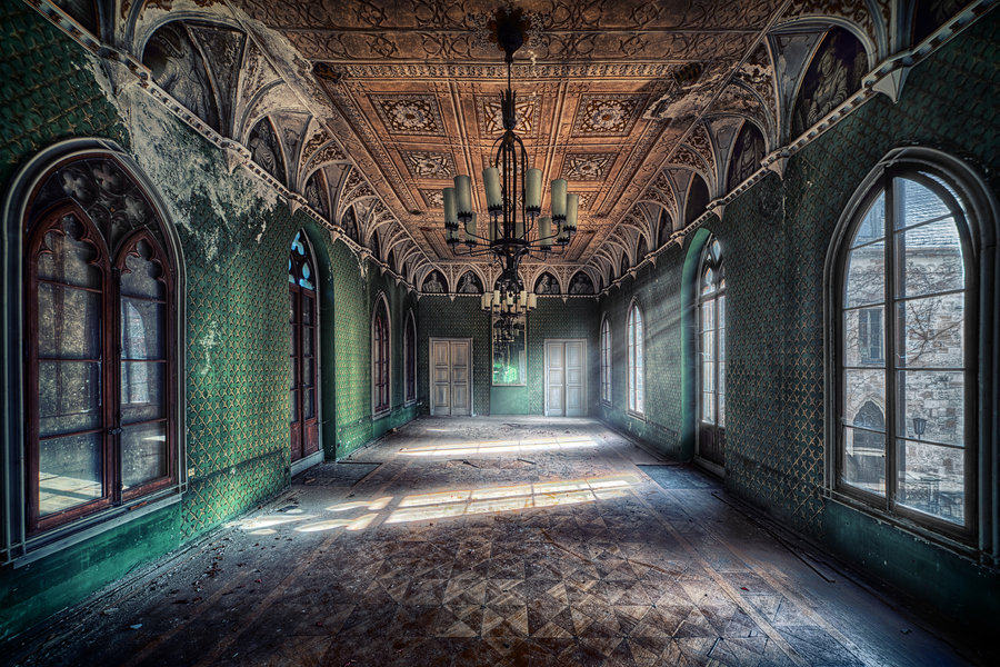 ballroom by illpadrino d4cc0it1 40 Chilling Photographs of Urban Decay