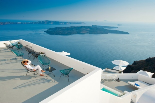 santorini deck with amazing ocean view 620x411 The Breathtaking Grace Hotel, Santorini Islands