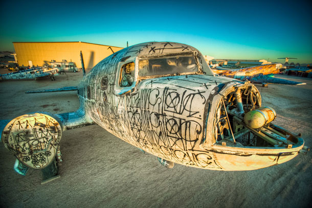 retired airplanes transformed into epic works of art 12 The Boneyard Project: Retired Airplanes turned into Art