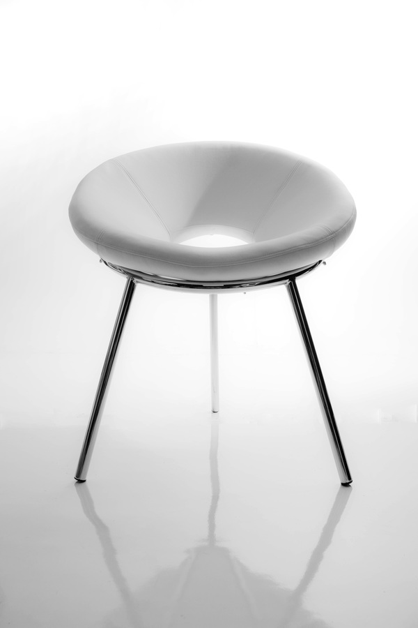 Moon Chair by Fabiano Pottes