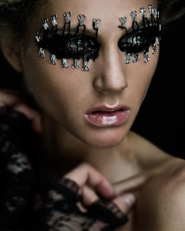 124d58d9df1a3bde356ef0e8f4c8c42f1 35 Stunning Examples of Makeup Art