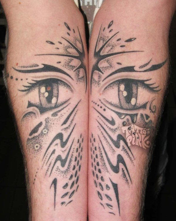 freehand tattoo eyes by pink